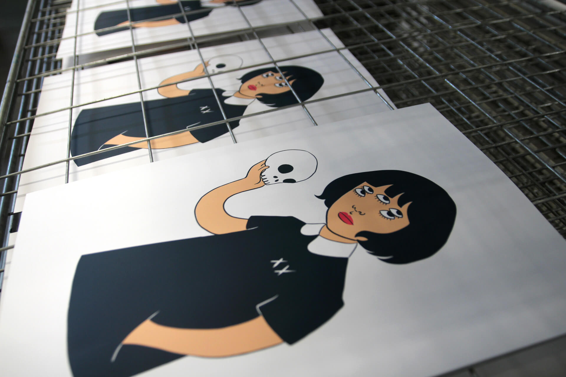 "Handprinting ""Pepita & Death"", new creation of the illustrator Gemma Quevedo"